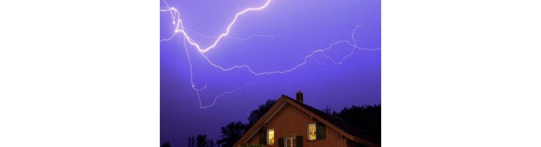 Природне явище Блискавка та наслідки ураження наземних об'єктів